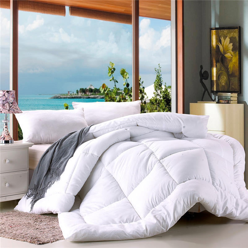 Polyester Duvet in Embossed Polyester Covering and Polyester Fiber Fill